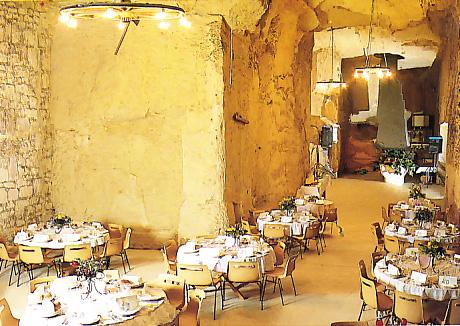 Salle de réception de la cave monplaisir de chinon